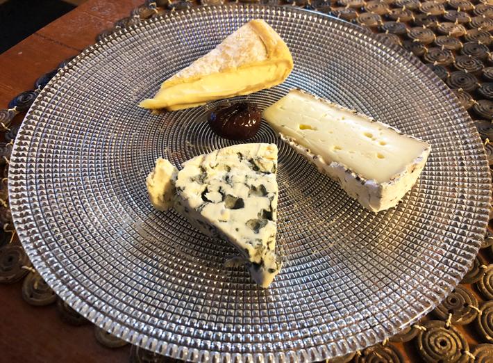 チーズの盛り合わせ@ロワゾブリュ