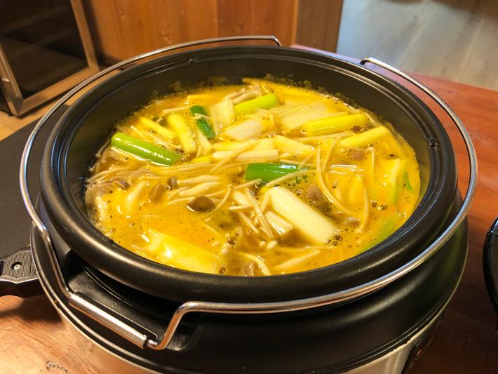 うにくしゃぶスープですき焼き